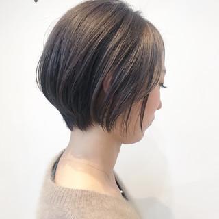 デート ショート ナチュラル オフィス ヘアスタイルや髪型の写真・画像 ヘアスタイルや髪型の写真・画像