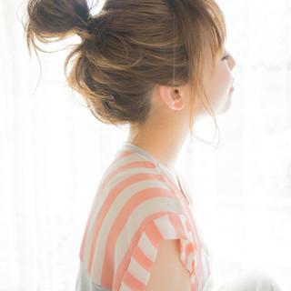 簡単ヘアアレンジ フェミニン ゆるふわ セミロング ヘアスタイルや髪型の写真・画像