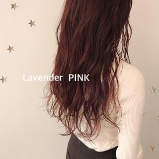ラベンダーピンク ゆるナチュラル ゆる巻き ストリート ヘアスタイルや髪型の写真・画像