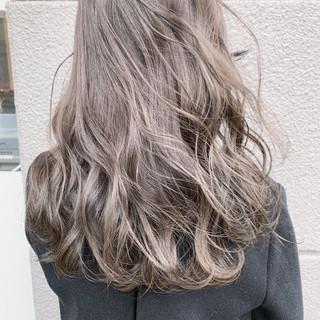 透明感カラー アッシュグレージュ ミルクティーベージュ セミロング ヘアスタイルや髪型の写真・画像