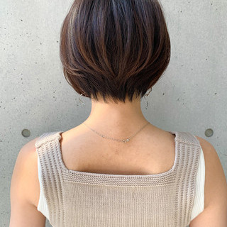 ワンカールパーマ ショート ショートボブ 大人ショート ヘアスタイルや髪型の写真・画像