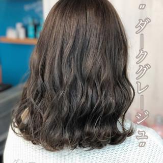 グレージュ ネイビーブルー ミディアム ブルージュ ヘアスタイルや髪型の写真・画像