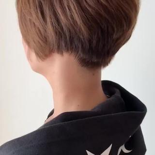 簡単スタイリング ショートボブ ハンサムショート カーキアッシュ ヘアスタイルや髪型の写真・画像