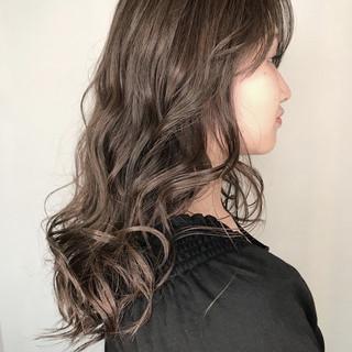 外国人風カラー 透明感 アッシュ ロング ヘアスタイルや髪型の写真・画像 ヘアスタイルや髪型の写真・画像