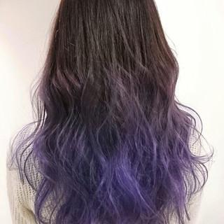 暗髪 ロング 外国人風 グラデーションカラー ヘアスタイルや髪型の写真・画像 ヘアスタイルや髪型の写真・画像