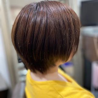 インナーカラー 切りっぱなしボブ モード ショートヘア ヘアスタイルや髪型の写真・画像   エイ / aime