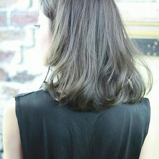 ハイライト アッシュ フェミニン ブラウン ヘアスタイルや髪型の写真・画像