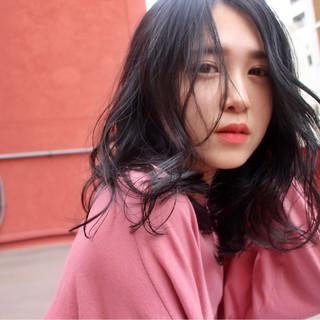 アンニュイ ウェーブ パーマ デート ヘアスタイルや髪型の写真・画像