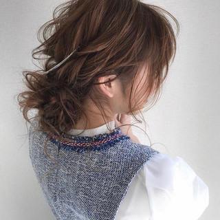 ヘアアレンジ 簡単ヘアアレンジ デート ロング ヘアスタイルや髪型の写真・画像 ヘアスタイルや髪型の写真・画像