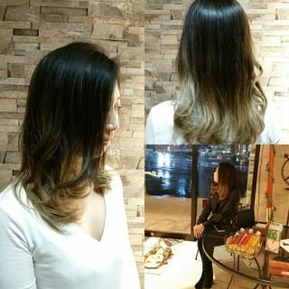 アッシュ グラデーションカラー ストリート ロング ヘアスタイルや髪型の写真・画像 ヘアスタイルや髪型の写真・画像