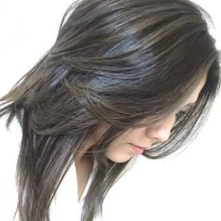 ハイライト イルミナカラー 前髪あり かき上げ前髪 ヘアスタイルや髪型の写真・画像