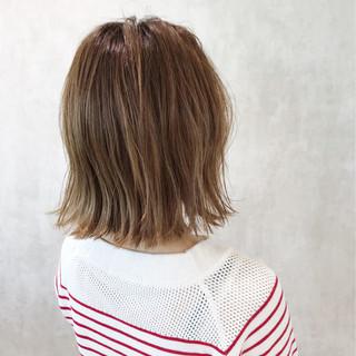 切りっぱなし かわいい ナチュラル 外ハネ ヘアスタイルや髪型の写真・画像