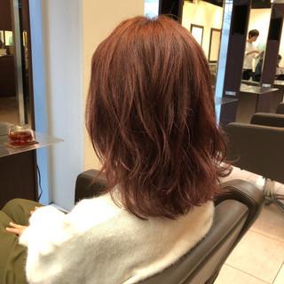 冬 ピンク デート レッド ヘアスタイルや髪型の写真・画像