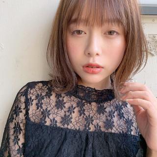 フェミニン インナーカラー デジタルパーマ ミディアム ヘアスタイルや髪型の写真・画像