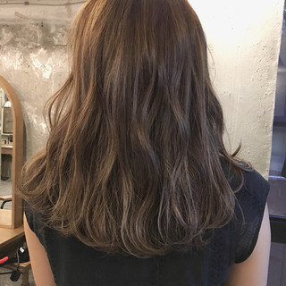 ヘアアレンジ 涼しげ 夏 ウェーブ ヘアスタイルや髪型の写真・画像