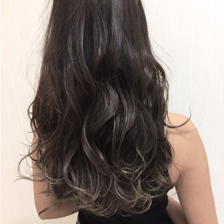 グラデーションカラー グレージュ 外国人風カラー 上品 ヘアスタイルや髪型の写真・画像