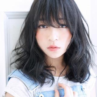 抜け感 暗髪 大人かわいい アッシュ ヘアスタイルや髪型の写真・画像 ヘアスタイルや髪型の写真・画像