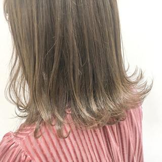 透明感 ミディアム 外ハネ ナチュラル ヘアスタイルや髪型の写真・画像