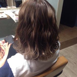 アッシュ 大人かわいい ガーリー ミディアム ヘアスタイルや髪型の写真・画像