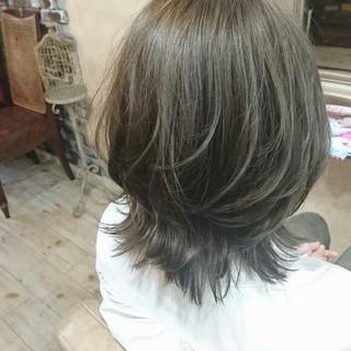 ハイライト グレー ストリート ミント ヘアスタイルや髪型の写真・画像