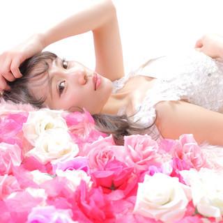 撮影 結婚式ヘアアレンジ エレガント アンニュイほつれヘア ヘアスタイルや髪型の写真・画像