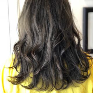 ナチュラル セミロング インナーカラー ウルフカット ヘアスタイルや髪型の写真・画像
