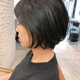 フェミニン ショート オフィス ナチュラル ヘアスタイルや髪型の写真・画像