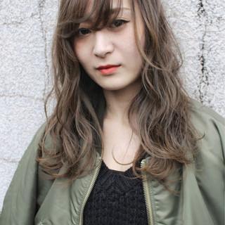 セミロング アッシュ 外国人風カラー 色気 ヘアスタイルや髪型の写真・画像 ヘアスタイルや髪型の写真・画像