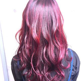 ハイライト ガーリー ピンク チェリーレッド ヘアスタイルや髪型の写真・画像