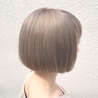 透明感 ミルクティー 外国人風カラー グレージュ ヘアスタイルや髪型の写真・画像