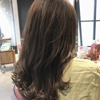 大人かわいい 透明感カラー セミロング ナチュラル ヘアスタイルや髪型の写真・画像