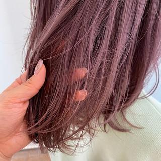 極細ハイライト ピンク ナチュラル ピンクバイオレット ヘアスタイルや髪型の写真・画像