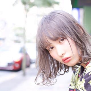 ミディアム 外国人風 外国人風カラー フリンジバング ヘアスタイルや髪型の写真・画像