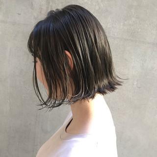 アンニュイほつれヘア ナチュラル 外ハネボブ 切りっぱなしボブ ヘアスタイルや髪型の写真・画像