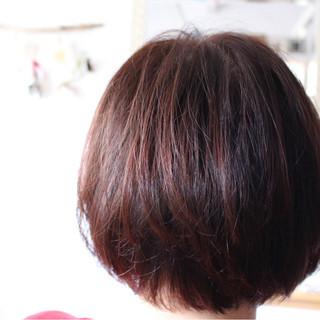 ラベンダーピンク ベリーピンク ボブ 冬 ヘアスタイルや髪型の写真・画像