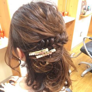 ねじり ミディアム 時短 二次会 ヘアスタイルや髪型の写真・画像 ヘアスタイルや髪型の写真・画像
