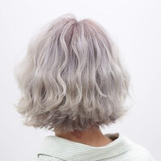 ショート ブリーチ ストリート ハイトーン ヘアスタイルや髪型の写真・画像 ヘアスタイルや髪型の写真・画像