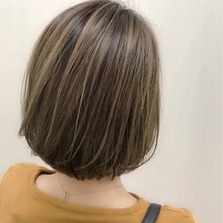 グレージュ ストリート ハイライト アッシュ ヘアスタイルや髪型の写真・画像