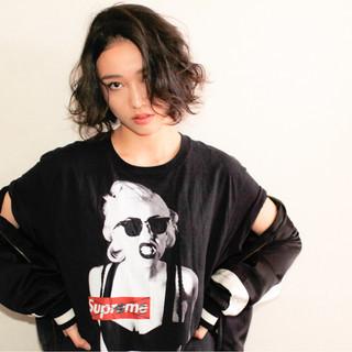 パンク ストリート アッシュ 黒髪 ヘアスタイルや髪型の写真・画像