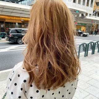 ブリーチカラー ロング アッシュグレージュ アッシュベージュ ヘアスタイルや髪型の写真・画像