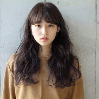 小顔 大人女子 ナチュラル くせ毛風 ヘアスタイルや髪型の写真・画像 ヘアスタイルや髪型の写真・画像