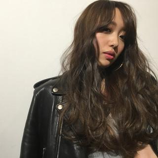 ハイライト アッシュ ゆるふわ ロング ヘアスタイルや髪型の写真・画像