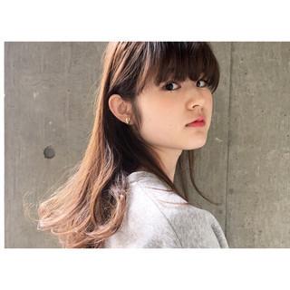 モード ワイドバング ピュア アッシュ ヘアスタイルや髪型の写真・画像