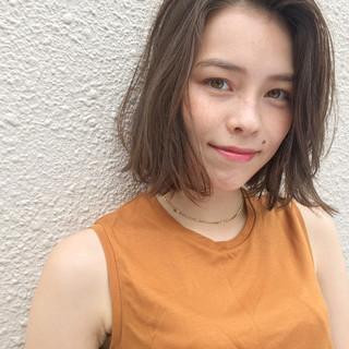女子会 グレージュ ボブ 抜け感 ヘアスタイルや髪型の写真・画像