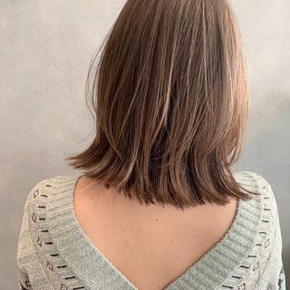 前髪 レイヤーボブ ウルフ女子 切りっぱなしボブ ヘアスタイルや髪型の写真・画像