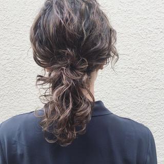 アンニュイ パーマ 簡単ヘアアレンジ ナチュラル ヘアスタイルや髪型の写真・画像