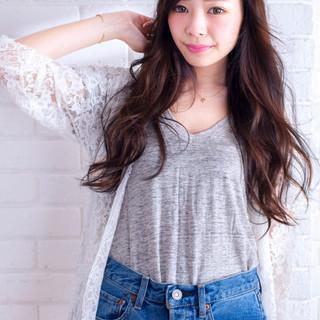 かわいい 外国人風 ブラウン 大人かわいい ヘアスタイルや髪型の写真・画像 ヘアスタイルや髪型の写真・画像