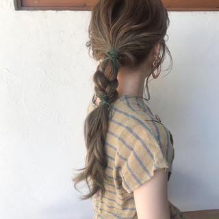 ロング オリーブアッシュ アッシュ ガーリー ヘアスタイルや髪型の写真・画像