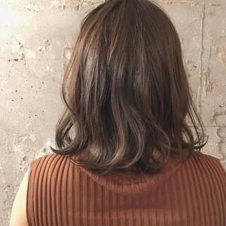 透明感 結婚式 ミディアム 女子会 ヘアスタイルや髪型の写真・画像