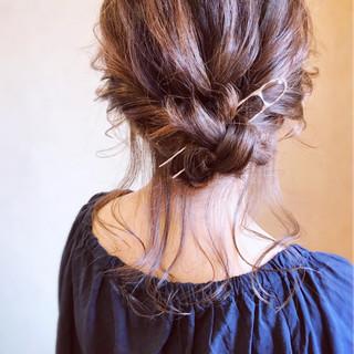 エレガント アンニュイほつれヘア ギブソンタック ヘアアレンジ ヘアスタイルや髪型の写真・画像